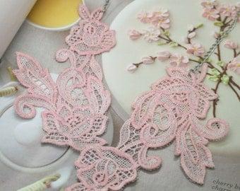 Bouquet bib necklace