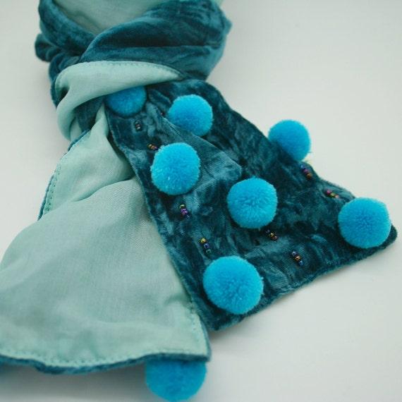 Pompom velvet scarf
