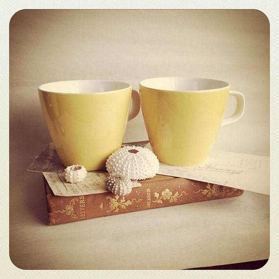 Butter Yellow Coffee Cups Teacups SET OF 4 - Shabby Chic - Jonas Roberts Cera-Stone Japan - 1950s