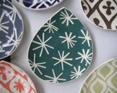 Appetizer plate / Rain drop shape plate with Teal asterisk star pattern