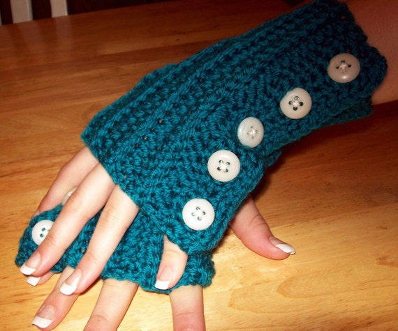 Fingerless Buttoned GLoves PDF Pattern