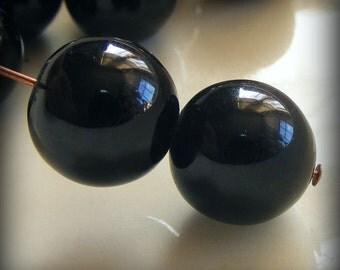 Glass Pearl Beads 12mm Round Black (Qty 12) Z-12P-B