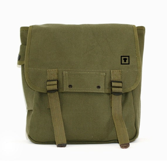 Backpack - Minimalist Medium Control Icon - Simple Canvas - Army Green