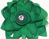 ZIPPER FLOWER BROOCH - GREEN
