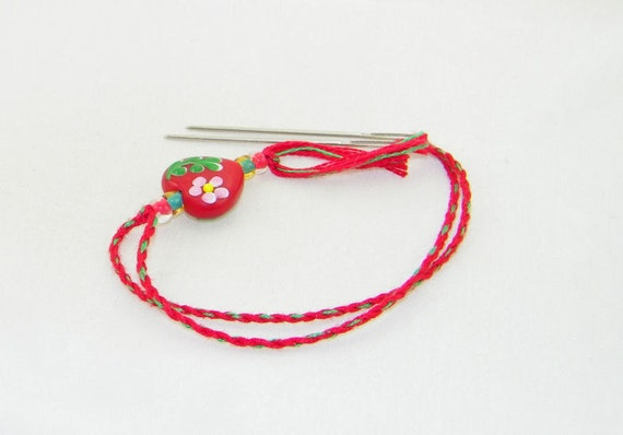 CLEARANCE - Red heart flowered count keeper needlework tool