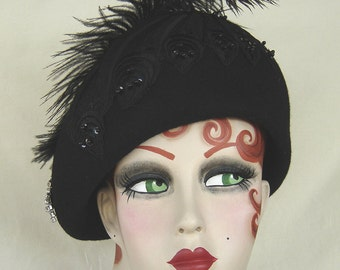 Black Wool Felt Cloche Turban - 1940 Style - On Sale