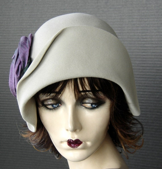 1920 Style Sueded Alabaster Cream Polished Velour Cloche With Violet Iridescent Dupioni Silk Rose