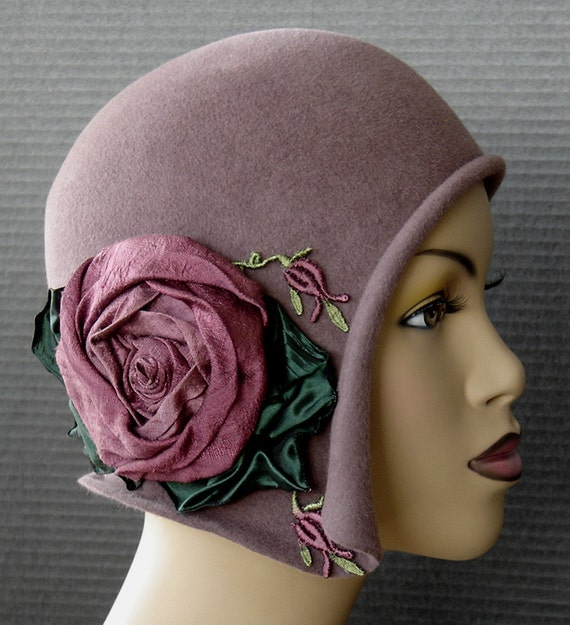 Gatsby 1920 Flapper, Mauve Velour Cloche With Large Silk Rose - Old Hollywood Style Glamour