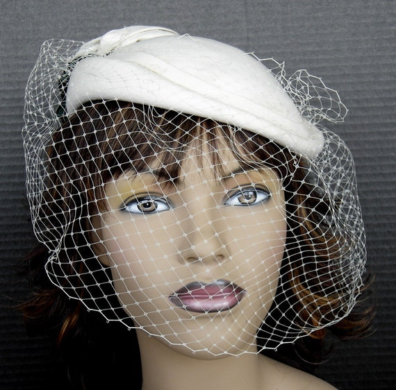 1940's style Hat With Veil In Ivory Cream Wool Felt