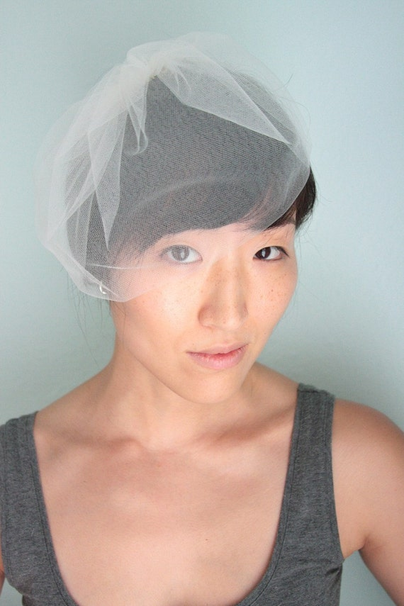 Bridal mini tulle veil, double layer, ivory or white - Dainty - Ready to Ship