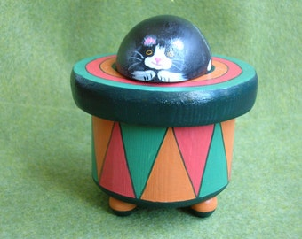 Cat Keepsake Box, Resting Cat On A Box, Painted Cat Box, Keepsake Kitty Box, Wooden Painted Kitty Box