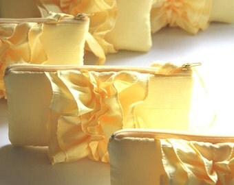 Set of 5 YELLOW Ruffle Bridesmaids Clutches / Wedding Favor Idea / Rustic Wedding Favor