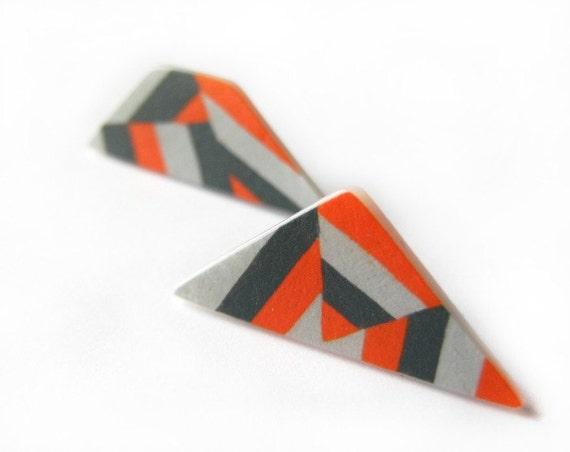 Stripes asymmetric post earrings in orange and gray
