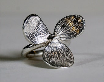 Beautiful 3 leaf 925 Sterling Silver flower Ring size 6 by zulasurfing