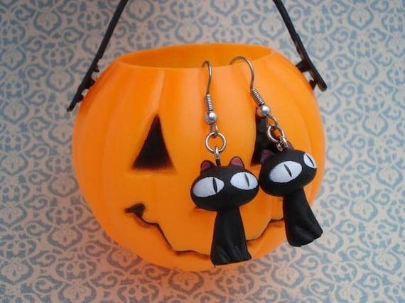 Black Cat Earrings - Halloween Earrings - Cat Jewelry - Big Eyed Cat