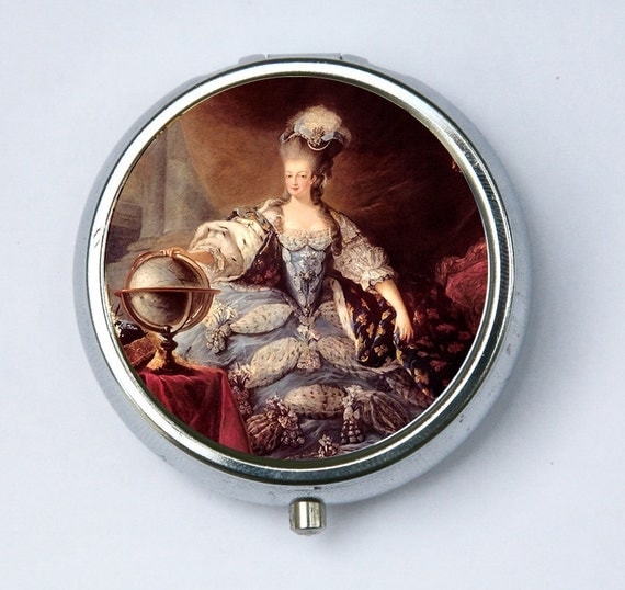 Marie Antoinette Pill case pillbox holder Posing French Queen History revolution