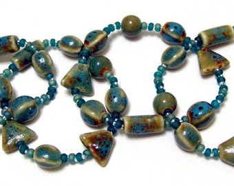 Pottery Bead Teal Blue Green Stretchy Bracelet Size SMALL 6 1/2 Inches