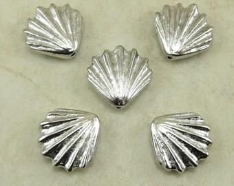 5 TierraCast Large Sea Shell Beads > Ocean Beach Summer Coast - Rhodium Plated LEAD FREE Pewter - I ship internationally 5679