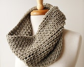 Eco Friendly Infinity Scarf. Women Men Fashion. Organic Cotton Chunky Knit Neckwarmer Cowl