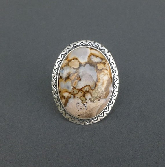 the perfect cocktail ring in eagle eye agate and silver