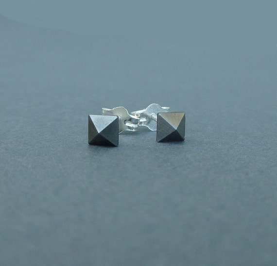 teeny tiny pyramind swarovski crystal stud earrings metallic silver with sterling silver posts
