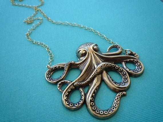 awesome gold octopus necklace