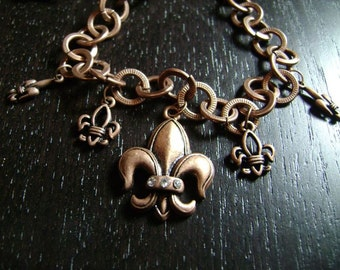 A Flurry of Fleur de Lis Necklace