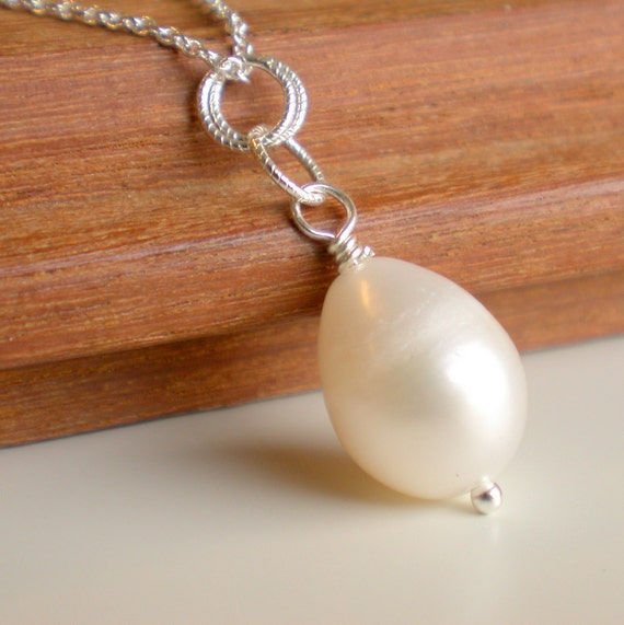 Simple Pearl Drop Necklace. Handcrafted. by lindatrentjewelry