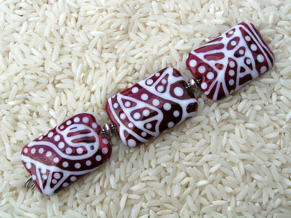 HowFunIsThat - 3 Handmade Lampwork Beads - Cranberry Squiggles - Clearance Sale - Free Shipping to US and Canada - SRA