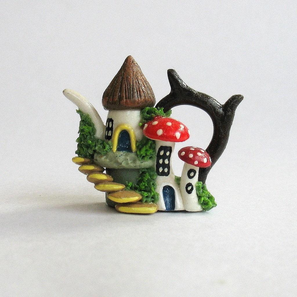 Miniature Fairy Hobbit Cluster House Teapot