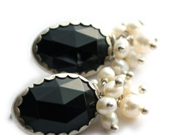 Evening Earrings in Black Onyx and Freshwater Pearls