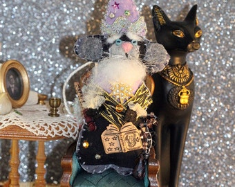 Mystical Magical Merlin the Mousie Wizard -- Quilty Critter Tiny Mouse