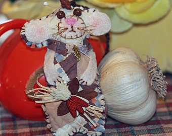 Harvest Home Collection - Autumn Field Mousie Quilty Critter