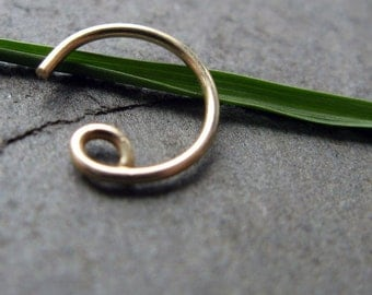 22g catchless nose ring-- solid 14k gold, gold fill or niobium-- primitive series-- handmade by thebeadedily