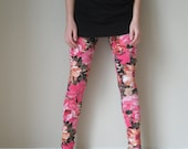 Floral leggings in pink. small size 4-6