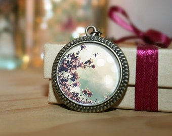 Valentine's Day, Flower Photo Necklace, Like a Star Against the Sky,  Wearable Art Pendant, 18 Inch Chain, Round