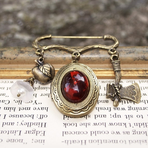 Snow White Inspired Locket Brooch, Once Upon a Time, Fairy Tale Jewelry, Snow White and the Huntsman