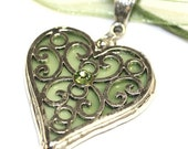 Round Stained Glass and  Filigree Heart Pendant (SGht-P8)