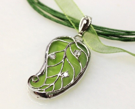 Stained Glass Leaf Filigree Pendant