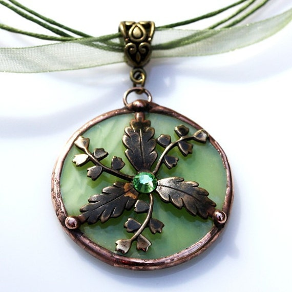 Round Stained Glass and Filigree Pendant (SGVL-P5)