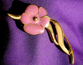 Pansy Flower Vintage Brooch Pin Lilac Purple Bloomer Valentines Day Easter Cold Enamel Pretty Power Clip Scarf Hat Bag