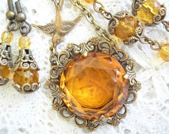 Marigold Nectar - Amber Topaz Glass Jewel Necklace Set - Antiqued Brass Necklace