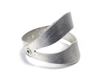 Sterling Silver Organic Leaf Inspired Riveted Ring - Ethereal