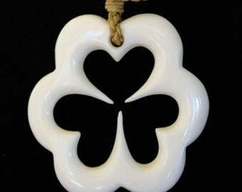 50 - 3 heart clover necklace