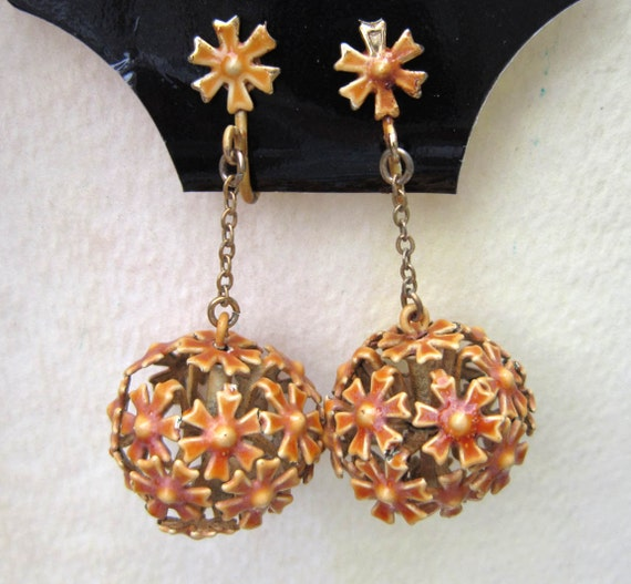 Vintage Chippy Paint Autumn Globe Mum Earrings