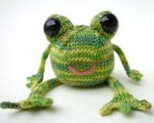 Knitted Happy Frog