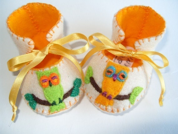 Beautiful Cream and Gold Owl Baby Booties perfect Baby Gift