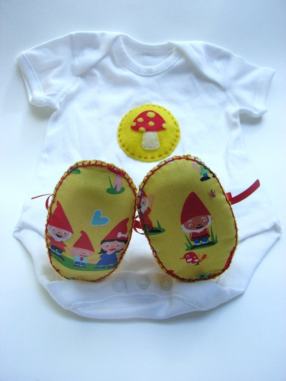 Gnome Baby Gift Set. ECO Gnome Baby Booties and Gnome Baby Gift Set. Perfect as a Baby Gift for a Baby Shower