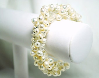 Bracelet Bridal Wedding Cluster Clear Quartz Freshwater Pearls Wedding Handmade