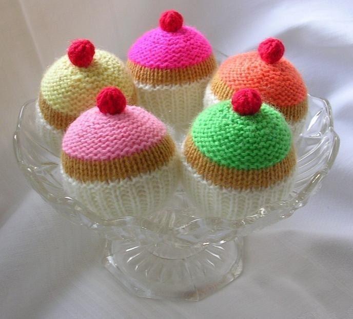 Mens Toe Up Sock Knitting Pattern : CUPCAKE KNITTING PATTERN PDF by cakescakescakes on Etsy
